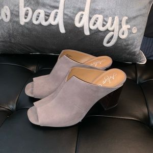 Arturo Chiang Slip On Leather Mules Gray